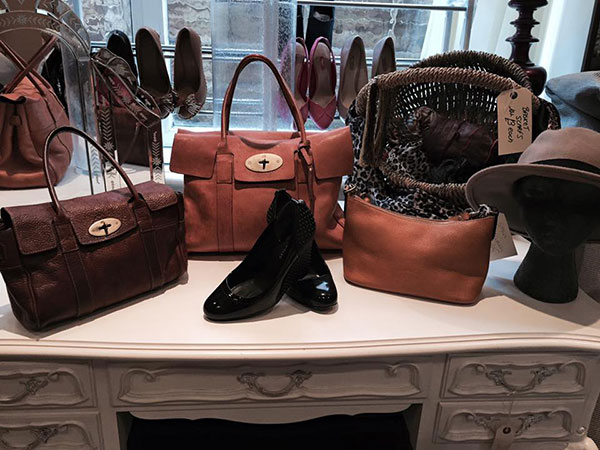 Bou-Chic Designer Dress Agency Bags and Shoes